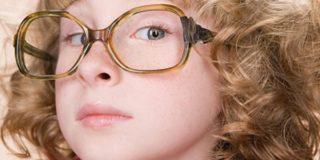 Кератит у детей: чем опасно воспаление роговицы